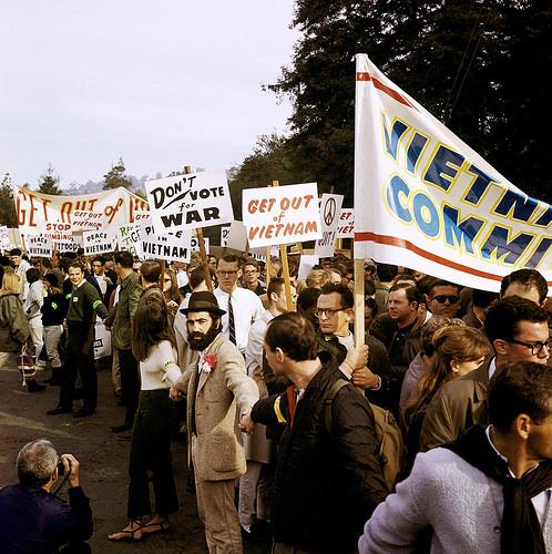 vietnam war protest photo